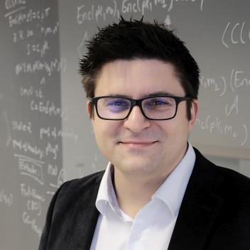 Prof. Dr. Dominique Schröder
